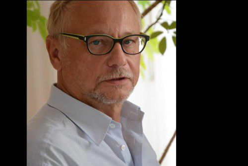 Autor Rudolf Stumberger hält nichts von Abschottungspolitik.