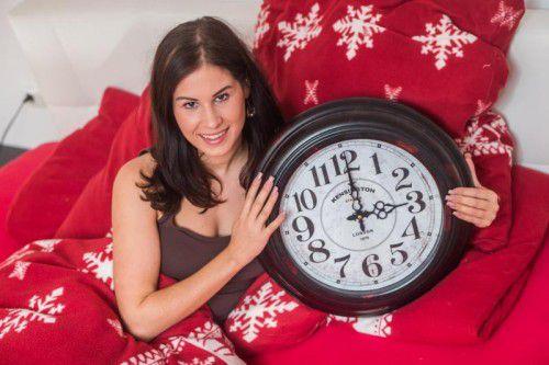 Bald wieder eine Stunde länger schlafen können: Die meisten freuen sich schon darauf.  Foto:vn/steurer