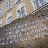 Zum Hitlerhaus in Braunau