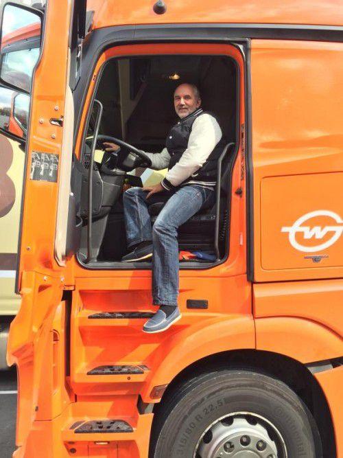 Brummifahrer Alois Tement ist seit 37 Jahren auf den Straßen Europas unterwegs.