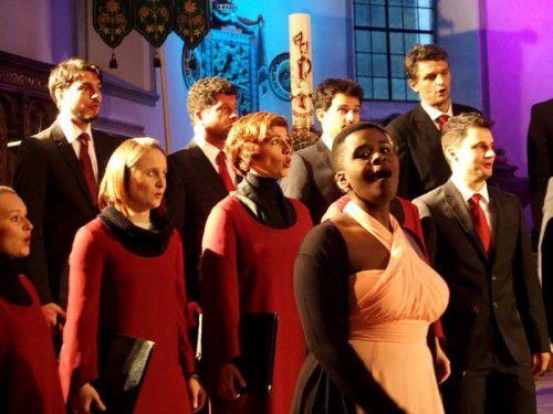 """""""Chorus sine nomine"""" mitMarie-Christiane Nishimwe begeisterte in Hohenems. Foto: JU"""