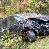 Mellauer (31) stürzt mit Auto bei Andelsbuch in den Tod