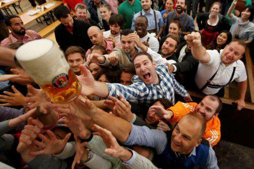 Das Bier floss trotz weniger Besucher in Strömen. Foto: Reuters