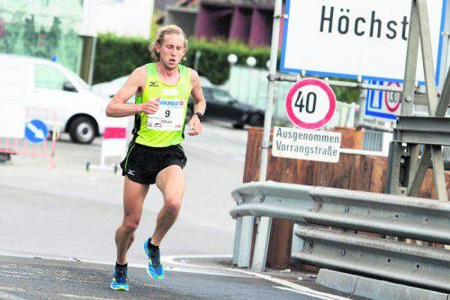Der Deutsche Oliver Hoffmann trug sich nach 2:29:06 Stunden in die Marathon-Siegerliste ein.