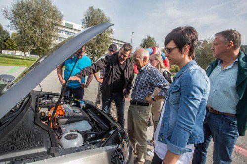 Der erste Vorarlberger E-Mobilitätstag von Illwerke VKW und Vorarlberger Nachrichten entpuppte sich als Publikumsmagnet. Rund 2000 Besucher kamen am Samstag auf das Gelände des Stromversorgers in Bregenz.