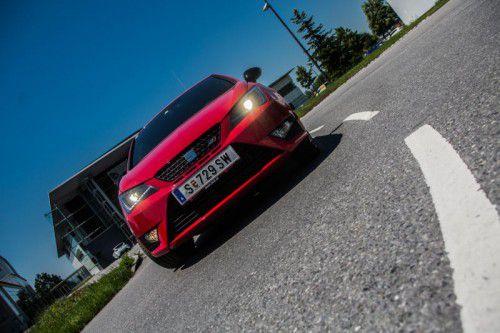 Der Ibiza Cupra liebt die Kurven. Der Antritt ist kraftvoll. Gleichzeitig bietet er beste Alltagstauglichkeit. Fotos: vn/Steurer