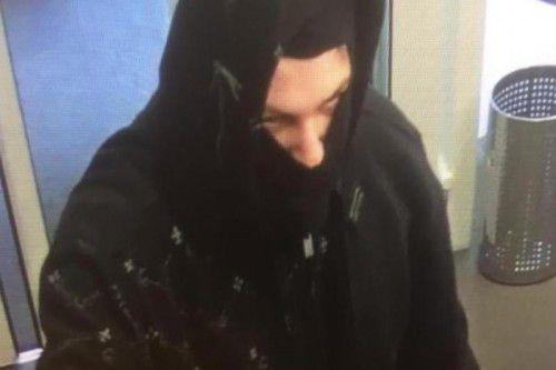 Der Täter auf dem Bild der Überwachungskamera. Foto: kapo