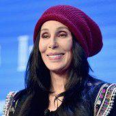 Cher kehrt auf Bühne zurück
