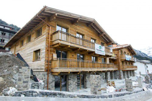 Soll noch vor Weihnachten die Pforten öffnen: das nunmehrige Nobelhotel Severin*s in Lech am Arlberg. Foto: VN/Hofmeister