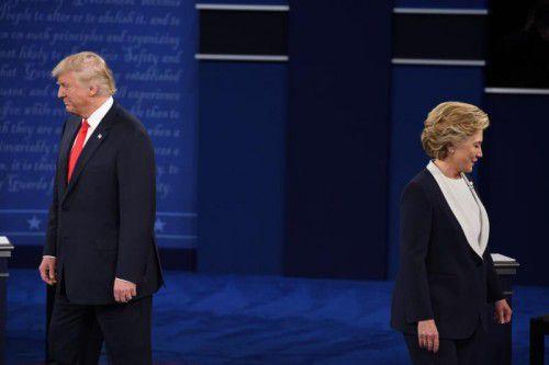 Die Atmosphäre bei der zweiten TV-Debatte zwischen Donald Trump und Hillary Clinton war gespannt und aggressiv. Foto: AFP