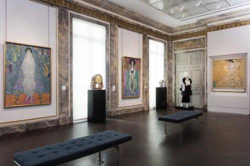 In der Neuen Galerie sind die Adele-Bilder vereint. Foto: Kolabas