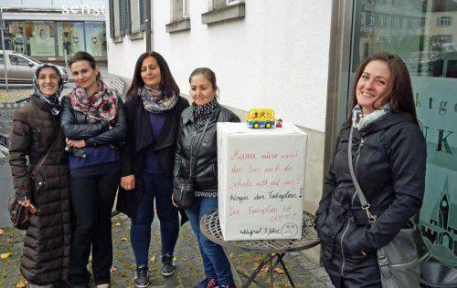 Die Eltern am Rankweiler Flözerweg fordern für ihre Kinder eine bessere Busanbindung zur Volksschule Montfort. foto: initiative