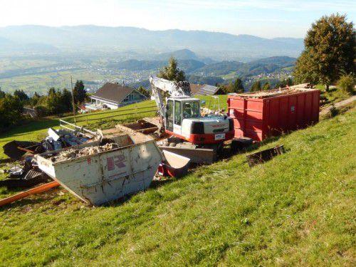 Die Hütte wurde dem Erdboden gleichgemacht. Foto: KOE