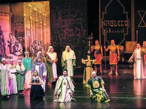 Die Inszenierung von Verdis Meisteroper gibt auf ihrer Jubiläumstournee ein Gastspiel in Bregenz. Foto: lukafode