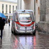 Selbstfahrender Bus  in Salzburg unterwegs