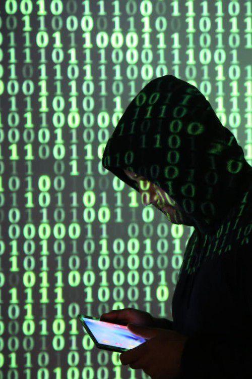 Wissen und Inhalte um Hasspostings und Cybermobbing als Unterrichtsthemen.  Foto: vn/HB