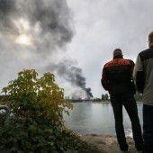Nach Explosion weiter Suche nach Vermissten