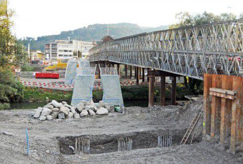 Die Sanierungsarbeiten an der Brücke dauern noch bis zum Jahr 2018 an. Foto: Kopf