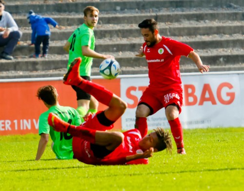 Dornbirn 1b am Boden. Der SC Hohenweiler setzte sich auf der Birkenwiese mit 3:1 durch. Foto: paulitsch