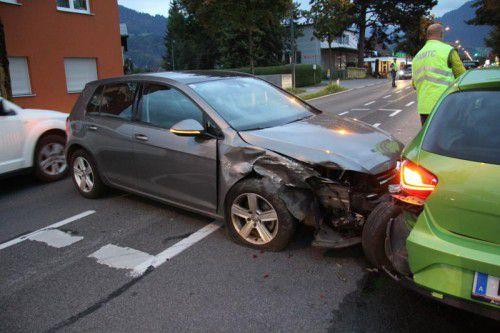 Durch den Unfall im Dornbirner Schwefel war die Fahrbahn teils nur einspurig befahrbar. Foto: VOL.AT/Madlener