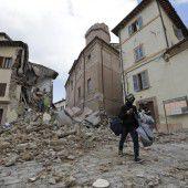 Erdbeben verwüsten Dörfer in Mittelitalien