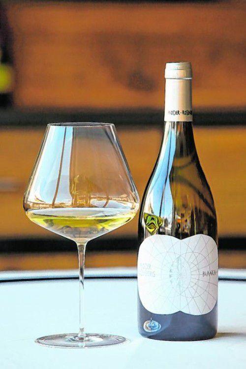 Ein vielschichtiger gelbgoldener Wein. Foto:hofmeister