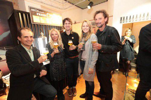 Gäste mit Gastgeber: (v. l.) Karl Huber (Mohrenbrauerei) sowie Dunja de Carli, Dietmar Menzinger, Angelika Holzer und Marty Rauch. Fotos: AME