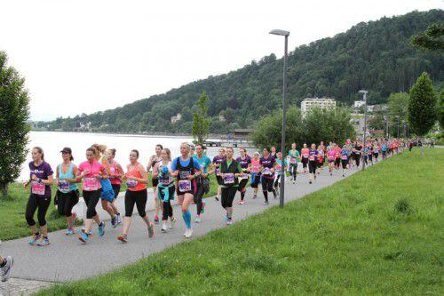 Gemeinsam macht Bewegung noch mehr Spaß. Der Frauenlauf ist ein gelungenes Beispiel dafür.  Foto: Helga Schwämmle