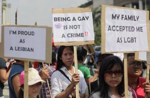 Homosexuelle demonstrierten in Jakarta für ihre Rechte, die derzeit beschnitten werden sollen. Foto: Ap