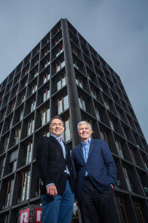 Hubert und Walter-Heinz Rhomberg sind stolz auf das Erreichte. Fotos: VN/Steurer