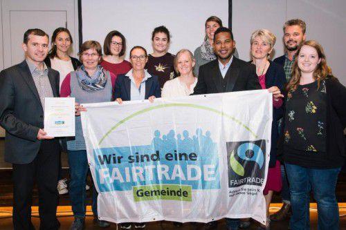 Im Vinomnasaal wurde das Fairtrade-Zertifikat übergeben.