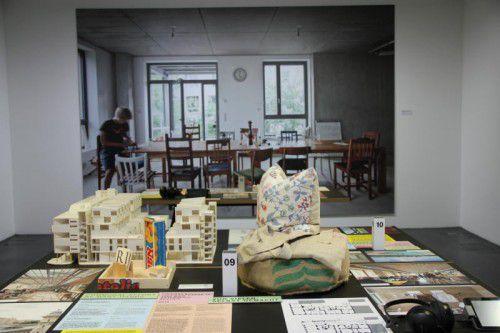 In der Ausstellung im vai geht es um Formen des gemeinschaftlichen Bauens und Wohnens.  Foto: ag