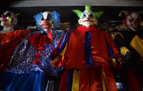 In der Öffentlichkeit gruselige Clownkostüme zu tragen, ist ein umstrittender Trend. Foto: AFP