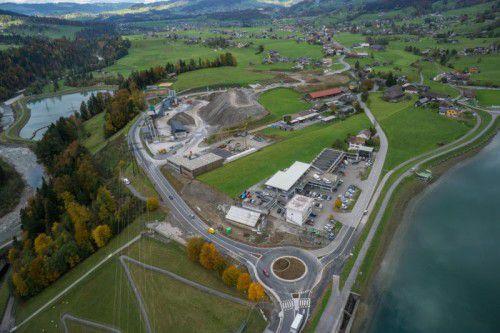 In die neue Straße wurden knapp 9,7 Millionen Euro investiert.  Foto: VN/Hartinger