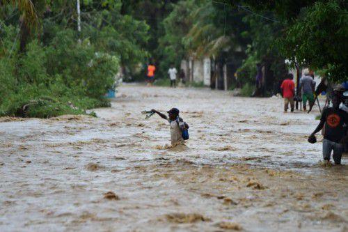 In Haiti forderte der Hurrikan bereits über 100 Opfer. Einige Regionen waren wegen Überschwemmungen von der Außenwelt abgeschnitten.