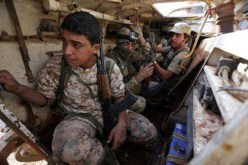Kämpfer der Rebellenkoalition wollen nun den Belagerungsring um die nordsyrische Stadt Aleppo sprengen.  Foto: reuters