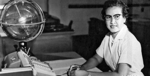 Katherine G. Johnson berechnete unter anderem Apollo-Missionen. Sie war auch diejenige, die Neil Armstrong den ersten Schritt auf den Mond setzen ließ. Foto: NASA