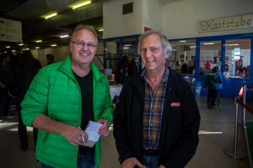 Klaus Hämmerle bedankt sich bei Kartbahn-Besitzer Franz Winter, der die Anlage auch heuer kostenlos zur Verfügung stellte. Fotos: VN/Steurer