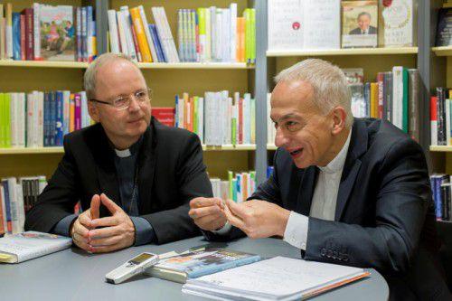 Klerikales Autoren-Duo: Bischof Benno Elbs (l.) und Caritasdirektor Michael Landau traten gemeinsam auf. Foto: VN/Paulitsch