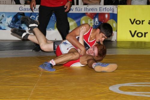 Magomed Schuaipov feierte zwei Siege gegen Zoltan Tamas. schwämmle