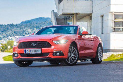 Manchmal ist Freiheit einfach Gefühlssache: Der nach oben offene Mustang verspricht Fahrspaß der verschärften Art. Fotos: Vn/steurer