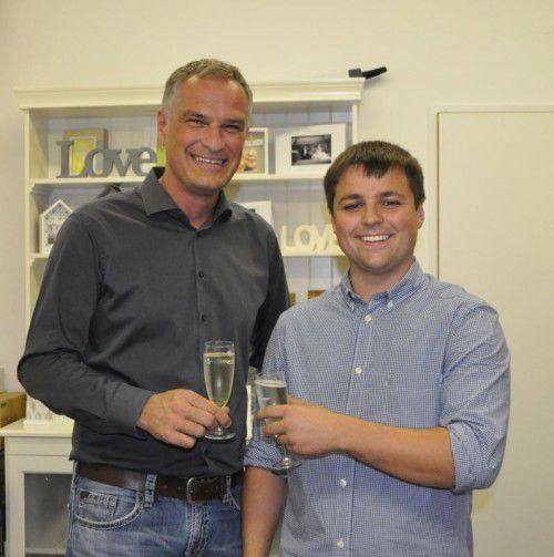 Mario Leiter überbrachte Pascal Hefti die Glückwünsche der Stadt.