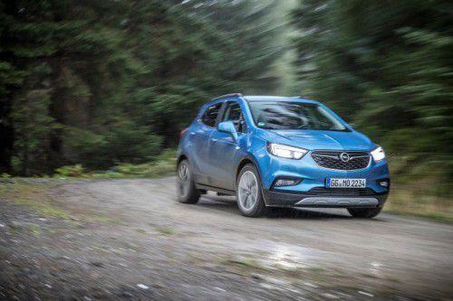 """Maskulineres Outfit, aktualisierte Technik: der neugemachte Opel Mokka mit dem """"X"""". Fotos: Werk"""