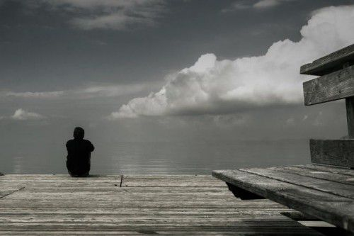 Depressive Verstimmungen können sich nach einer Covid-19-Erkrankung lange halten und das Leben von Betroffenen schwer beeinträchtigen.vn/steurer
