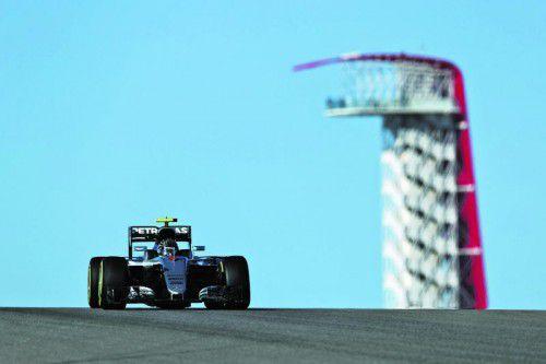 Nico Rosberg konterte in Austin im zweiten Training, nachdem Rivale Lewis Hamilton die schnellste Zeit am Vormittag hingelegt hatte. Foto: apa