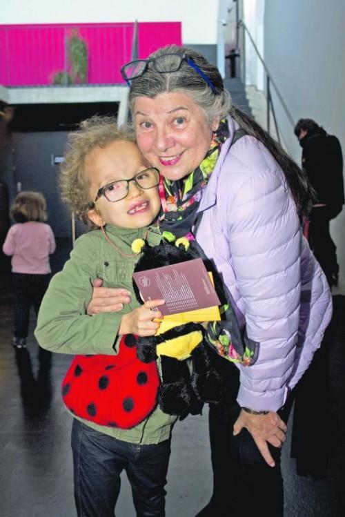 Paula mit Tante Marina Ortner.