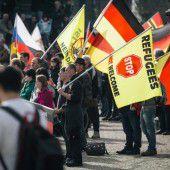 Tausende bei Pegida-Demo in Dresden