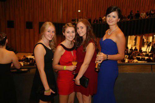 Sandra, Julia und Julia genossen den Abend.