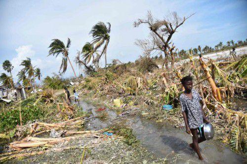 Schlamm und stehendes Wasser bieten nach dem Hurrikan Nährboden für Seuchen wie die Cholera.  Foto: AFP