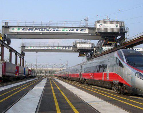 State of the art in Italien: Terminalkräne von Künz sorgen für effizienten Warenumschlag in Verona.  Foto: Firma